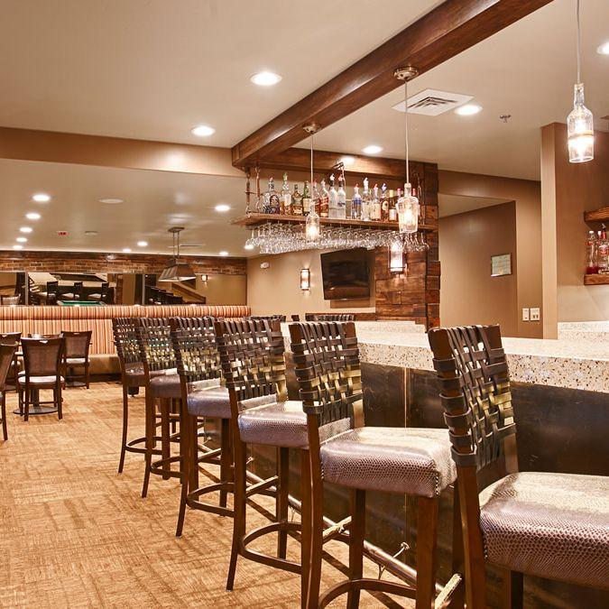 Turnbuckle Lounge at Best Western Cotton Tree Inn