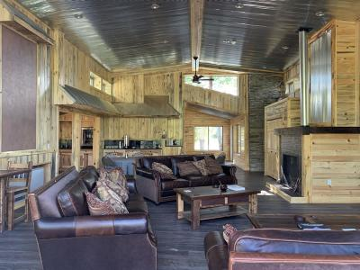 Elk Hollow Lodge - Spur Outfitters